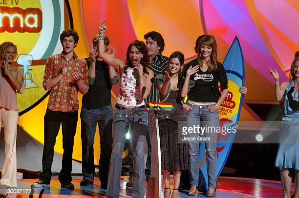 Brittany Murphy and Cast of 'The OC' winner of Choice TV Breakout Show