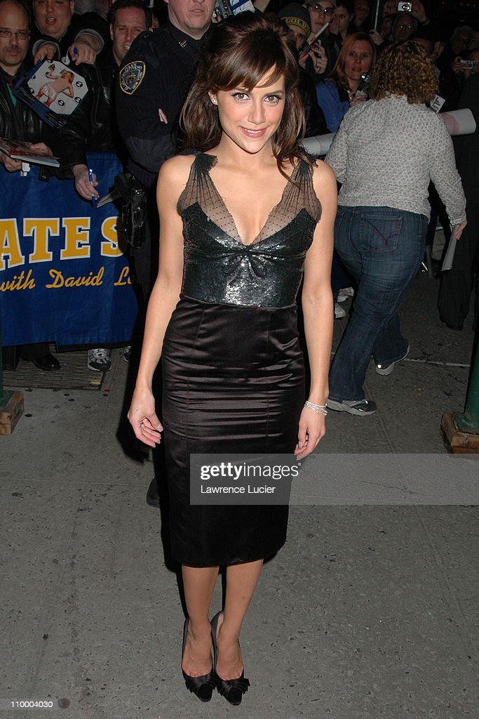 Brittany Murphy Appears Outside The Late Show with David Letterman - March 29, 2005 : News Photo