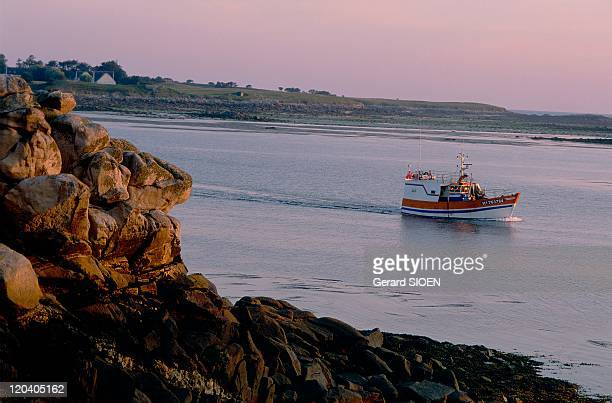 Brittany plural and singular in France Batz Island channel crossed by foot without wetting them in ancient times