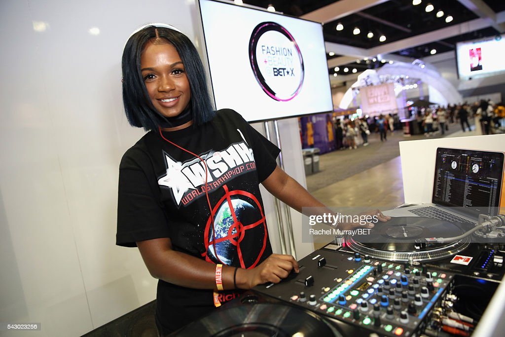 CA: 2016 BET Experience - Fashion & Beauty @ BETX Emerging DJ Set - DJ Brittany Sky