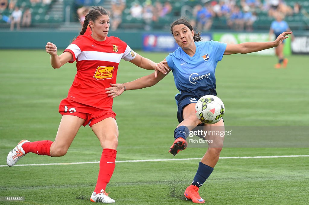 Brittany Taylor #13 of Western New York Flash and Samantha Kerr #20 of Sky Blue FC battle for a loose ball during the second half at Sahlen's Stadium on July 19, 2015 in Rochester, New York. The Sky Blue FC and the Western New York Flash played to a 0-0 draw.