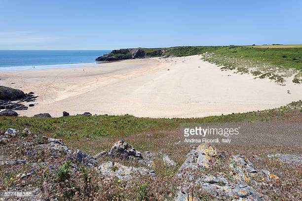 broad haven south beach, pembrokeshire, wales - south wales stock pictures, royalty-free photos & images