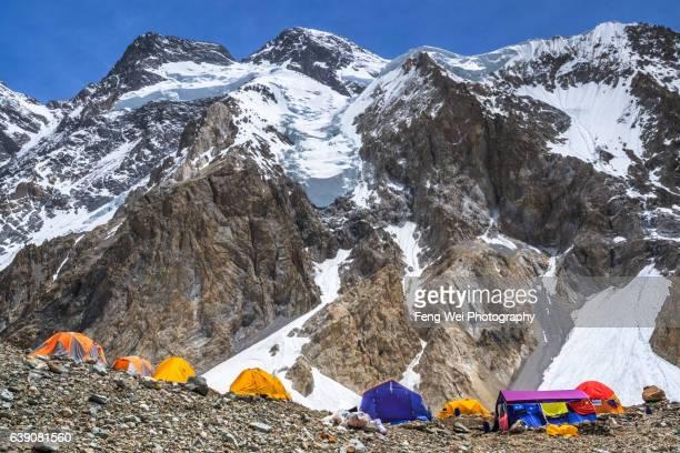 broad peak base camp, 65k, central karakoram national park, gilgit-baltistan, pakistan - k2 mountain stock pictures, royalty-free photos & images
