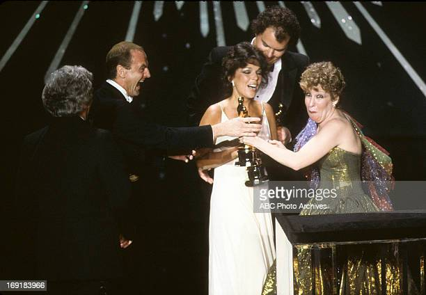 March 29 1982 LR BURT BACHARACH PETER ALLEN CAROLE BAYER SAGER AND CHRISTOPHER CROSS BEST ORIGINAL SONG WINNERS FOR ARTHUR'S THEME WITH