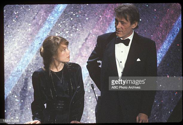 March 31 1981 BEST ART DIRECTOR PRESENTERS SISSY SPACEK AND PETER O