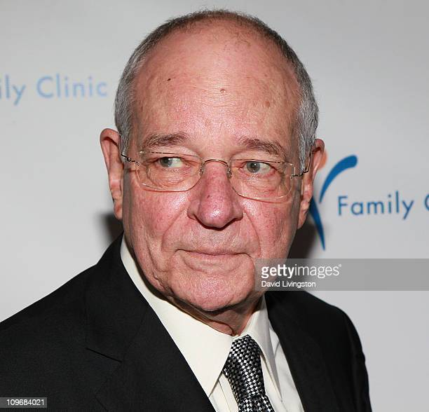 Broadcast journalist Warren Olney attends the Venice Family Clinic Silver Circle 2011 Gala at the Beverly Wilshire on February 28 2011 in Beverly...