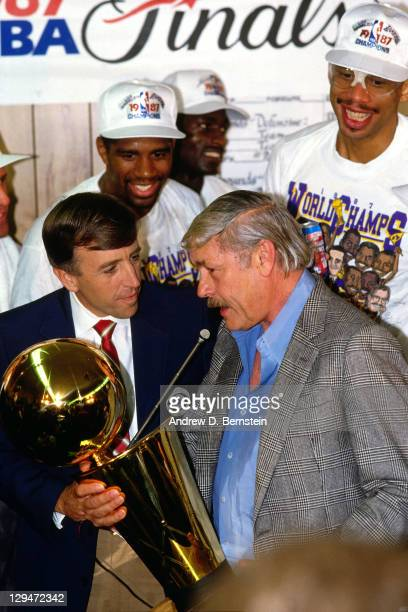 Broadcaster Brent Musberger interviews Los Angeles Lakers owner Jerry Buss following Game Six of the 1987 NBA Finals on June 14 1987 at the Great...