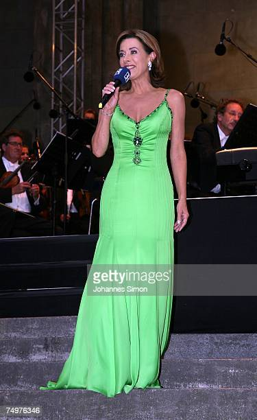 Broadcasting hostess Sabine Sauer presents an open air concert of Chinese pianist Lang Lang together with the Bavarian Broadcasting Symphonic...