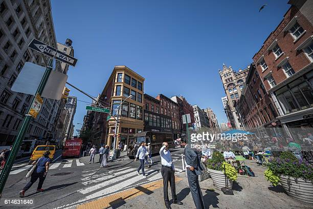 broadway, union square, manhatten, new york city, usa - ユニオンスクエア ストックフォトと画像