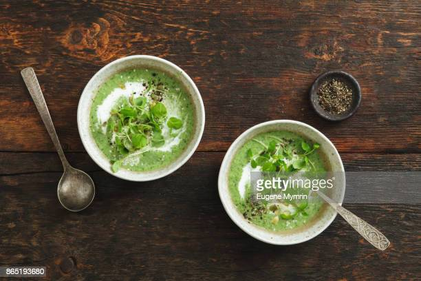 broccoli, kale, spinach and mint soup with tahini - cabbage stock pictures, royalty-free photos & images