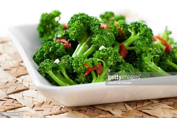 Broccoli with Sun-Dried Tomatoes