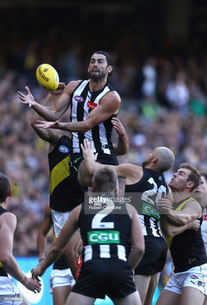 Brodie Grundy of the Magpies attempts to mark during the AFL round six match between the Collingwood Magpies and Richmond Tigers at Melbourne Cricket Ground on April 29, 2018 in Melbourne, Australia.