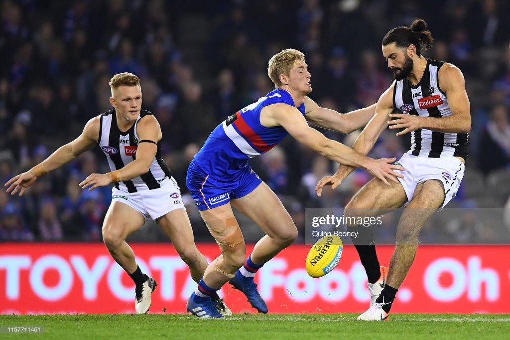 AFL Rd 14 - Western Bulldogs v Collingwood : News Photo