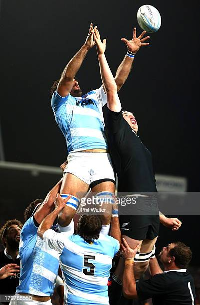 Brodie Retallick of the All Blacks and Juan Martin Fernandez Lobbe of Argentina contest the lineout during the Rugby Championship between the New...
