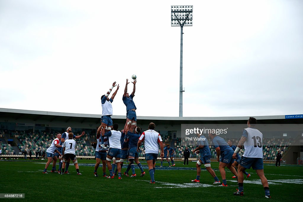 Brodie Retallick of the All Blacks takes the ball in the lineout during the New Zealand All Blacks training session on September 4, 2014 in Napier, New Zealand.