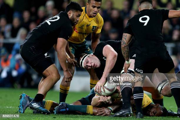 Brodie Retallick of the All Blacks tries to clear the ball during The Rugby Championship Bledisloe Cup match between the New Zealand All Blacks and...