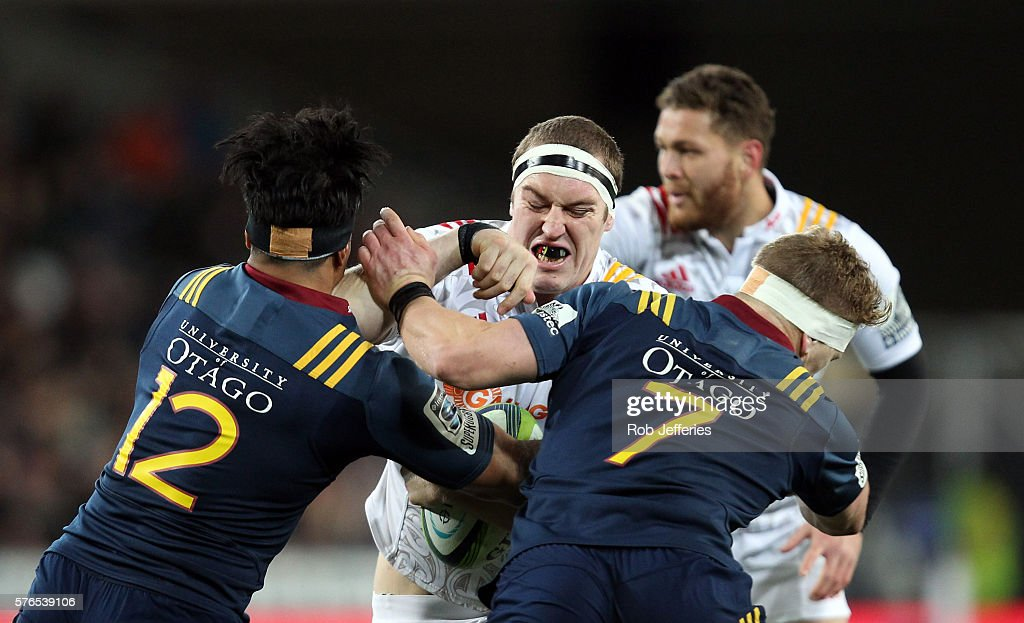 Brodie Retallick of the Chiefs on the charge during the round 17 Super Rugby match between the Highlanders and the Chiefs at Forsyth Barr Stadium on July 16, 2016 in Dunedin, New Zealand.