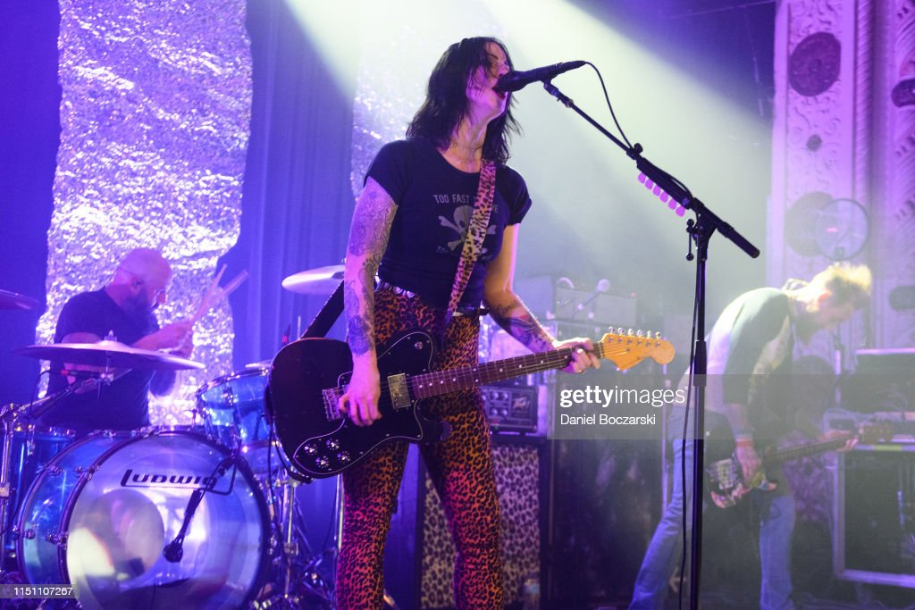 IL: The Distillers And Starcrawler In Concert - Chicago, IL