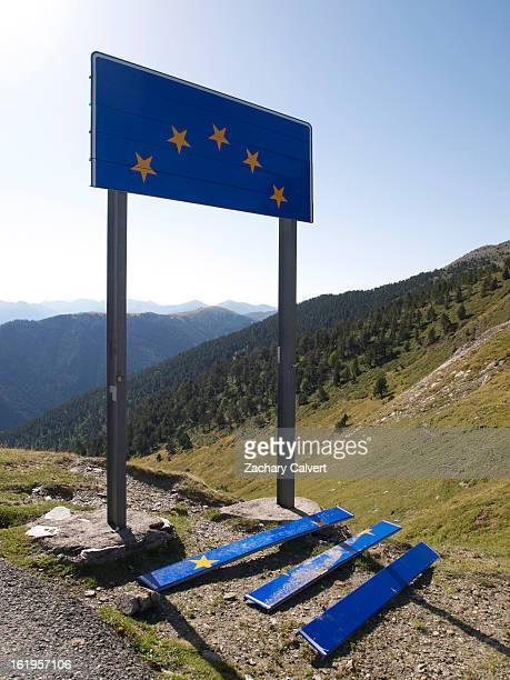 Broken EU sign at Andorra - Spain border
