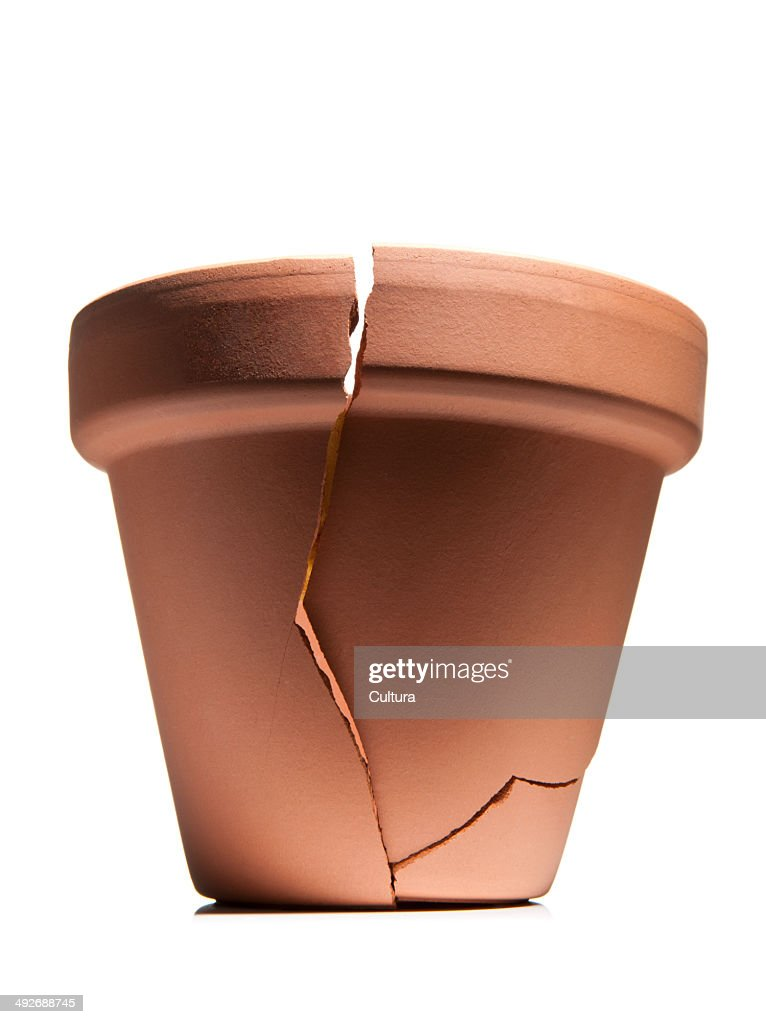 Broken flower pot : Foto de stock
