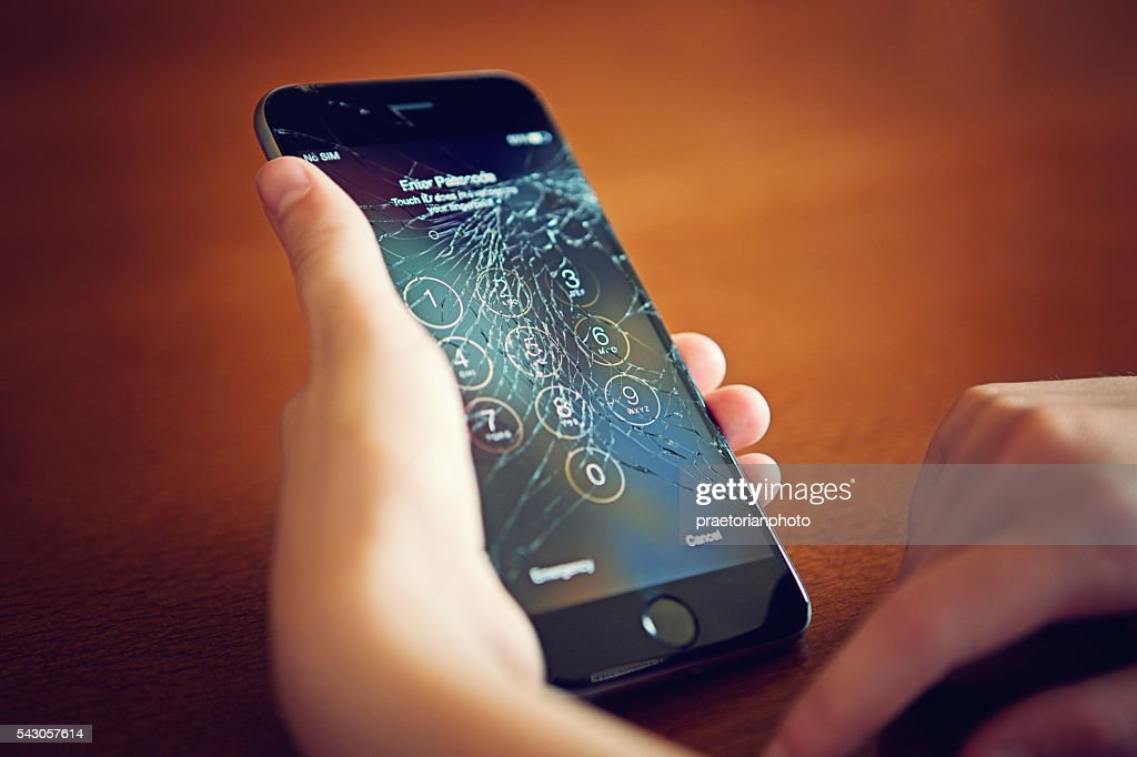 Broken Iphone 6 : Stock Photo