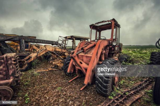 broken tractor - lebanon country stock pictures, royalty-free photos & images