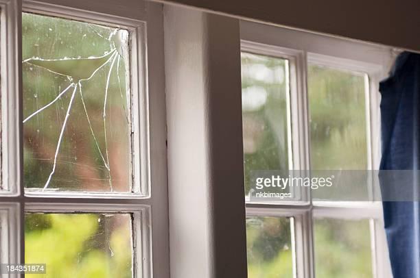 Defekte Fenster in einem alten Hause