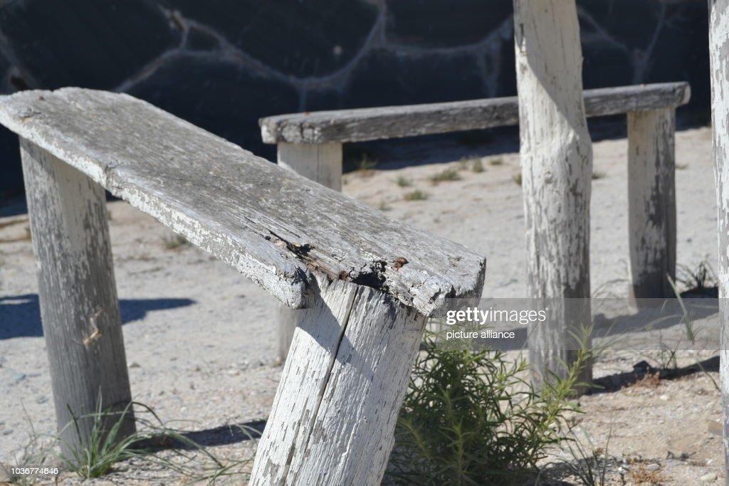 Admirable Broken Wooden Bench Os The Prison Complex On Robben Island Beatyapartments Chair Design Images Beatyapartmentscom