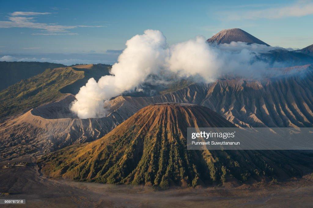 Bromo, Batok, and Semeru volcano mountain in East Java island, Indonesia : Stock-Foto