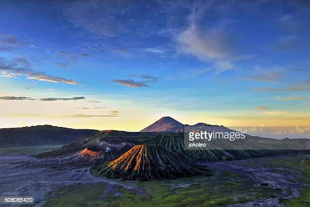 bromo sunrise - bromo tengger semeru national park stock photos and pictures