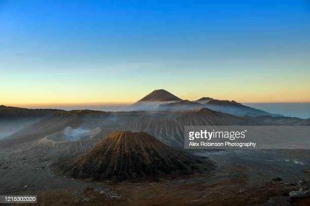bromo tengger semeru national park at dawn - bromo tengger semeru national park stock pictures, royalty-free photos & images