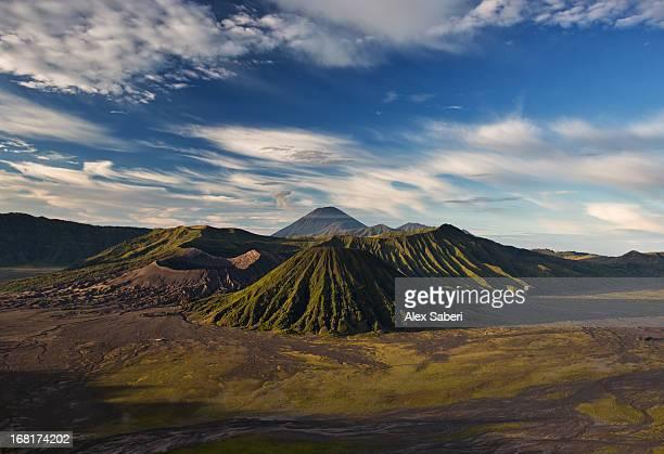 bromo volcano and bromo tengger semeru national park. - alex saberi stockfoto's en -beelden