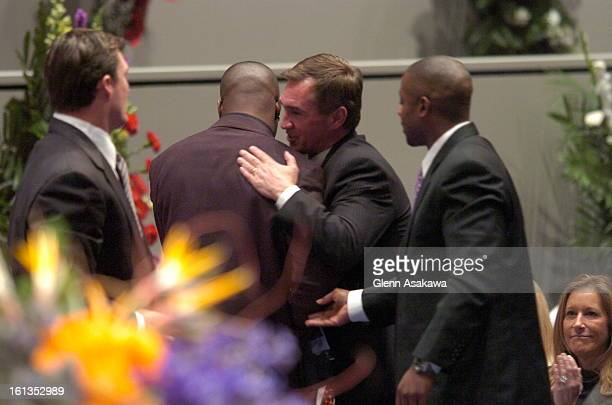 WORTH TEXASJANUARY 6 2007 Broncos running back Tatum Bell gets hugged by head coach Mike Shanahan after speaking of his friend from college Darrent...