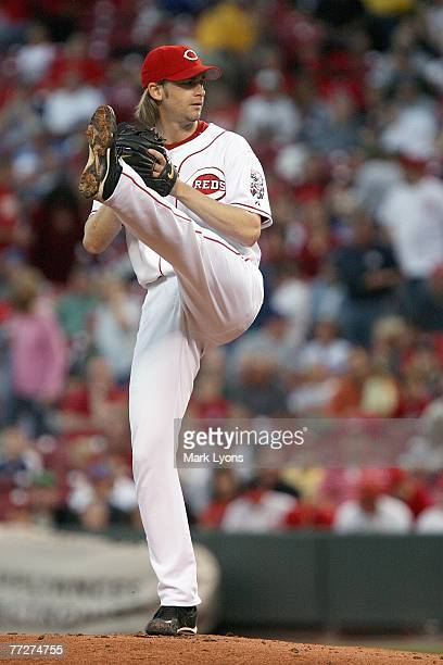Bronson Arroyo of the Cincinnati Reds delivers the pitch during the MLB game against the Chicago Cubs on September 28, 2007 at Great American...