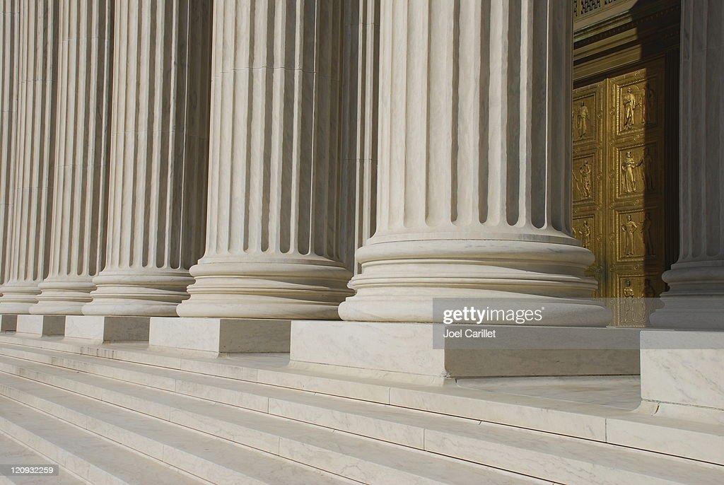 Bronze Tür im Oberstes Bundesgericht der USA : Stock-Foto