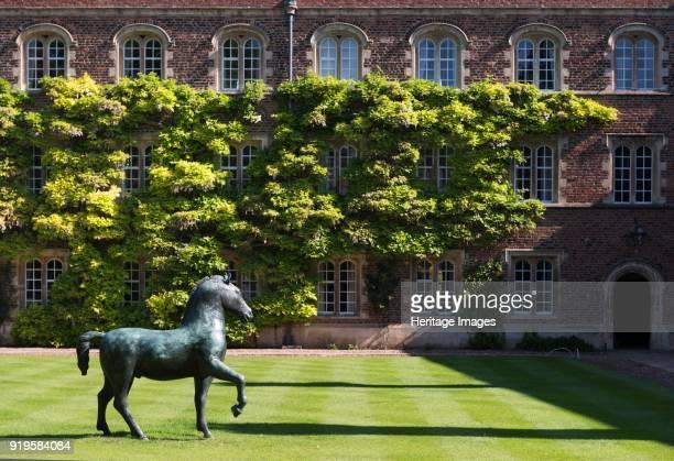 Bronze horse, sculpture by Barry Flanagan, First Court, Jesus College, Jesus Lane, Cambridge, Cambridgeshire, 2015. The sculpture was created in 1983.