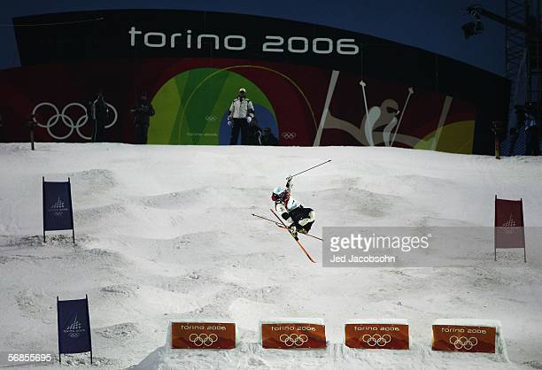 Bronze Medal winner Toby Dawson of the United States competes in the Mens Freestyle Skiing Moguls Final on Day 5 of the 2006 Turin Winter Olympic...