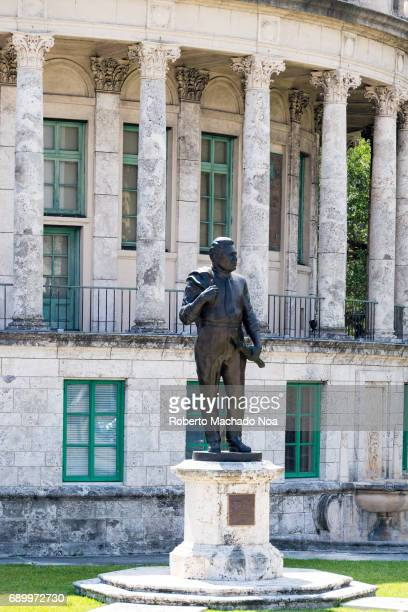 Bronze statue of George Edgar Merrick who was the planner and builder of the city of Coral Gables Coral Gables was one of the first planned...