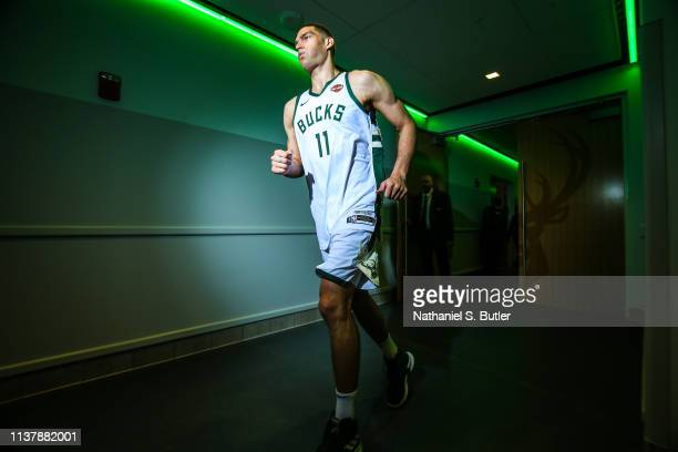 Brook Lopez of the Milwaukee Bucks runs to the court before Game Two of Round One of the 2019 NBA Playoffs against the Detroit Pistons on April 17...