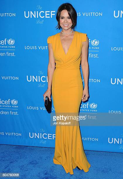Brooke Burke-Charvet arrives at the 6th Biennial UNICEF Ball at the Beverly Wilshire Four Seasons Hotel on January 12, 2016 in Beverly Hills,...