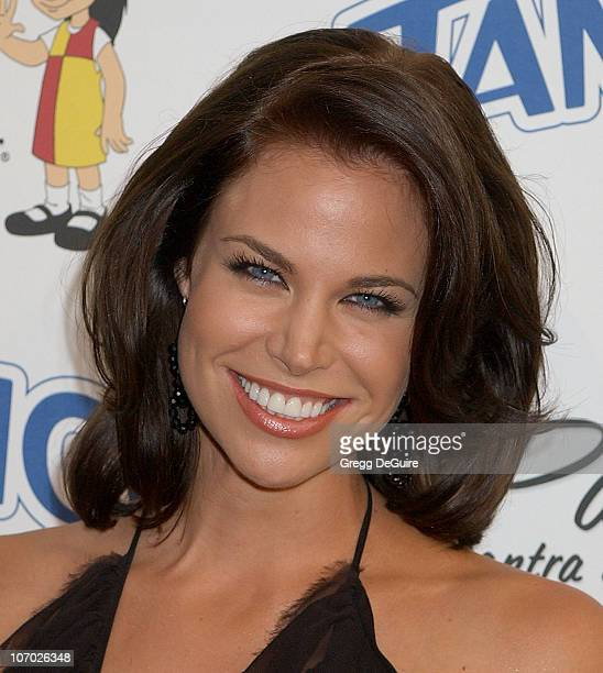 Brooke Burns during Padres Contra El Cancer National Spokesperson Eva Longoria Hosts The Tampico Beverages El Sueno De Esperanza Gala Arrivals at...