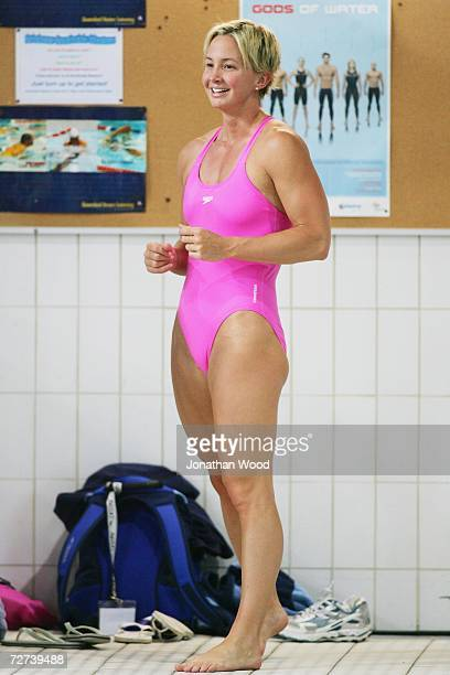 Brooke Hanson warms up prior to competition during day four of the Australian Championships at Chandler Aquatic Centre on December 6 2006 in Brisbane...