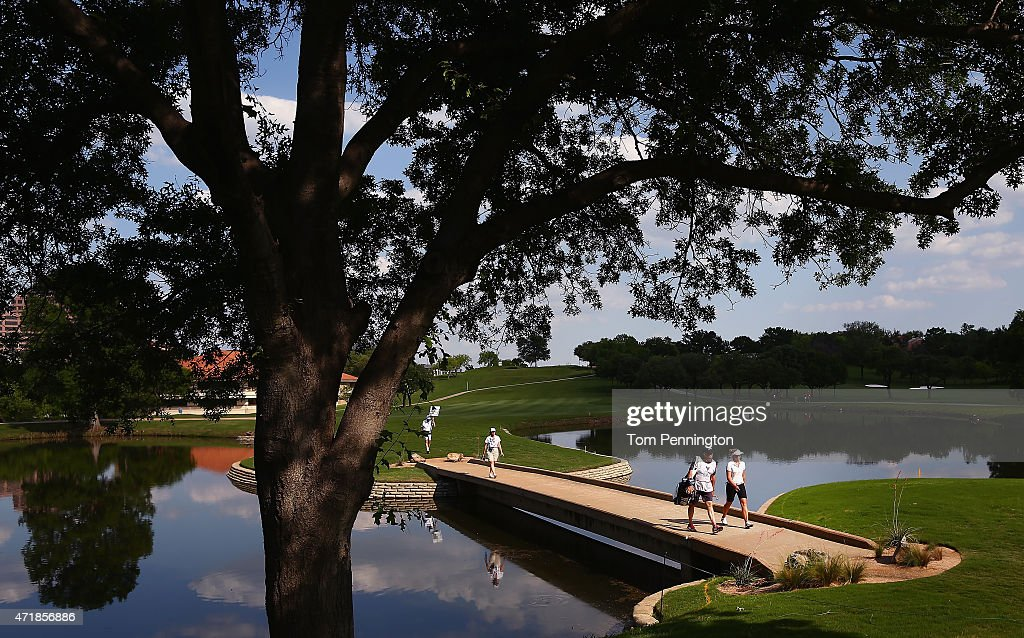 Brooke M Henderson Of Canada Walks Onto The Eighth Green During News Photo Getty Images