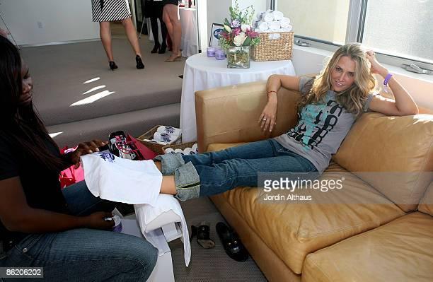 Brooke Mueller attends the 2007 Kari Feinstein Emmy Suite on September 13 2007 in Beverly Hills California