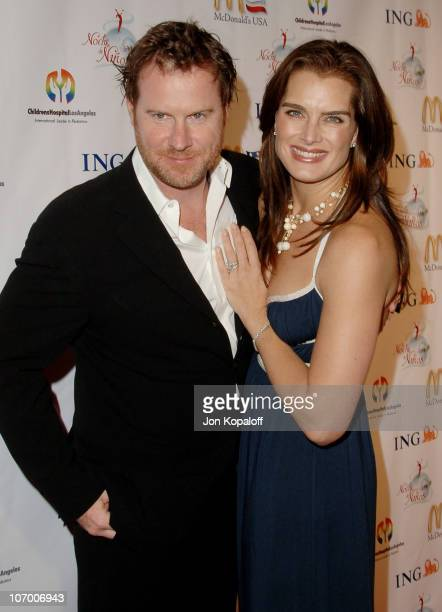 Brooke Shields and husband Chris Henchy during Childrens Hospital Los Angeles 2nd Noche de Ninos Gala Honoring Johnny Depp Arrivals at Beverly Hilton...