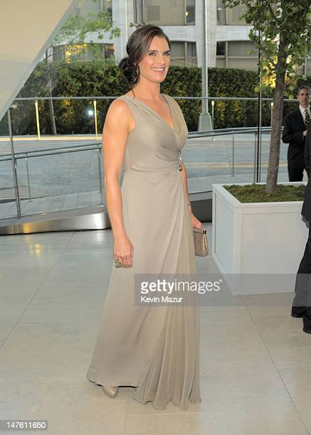 Brooke Shields attends the 2010 CFDA Fashion Awards at Alice Tully Hall, Lincoln Center on June 7, 2010 in New York City.