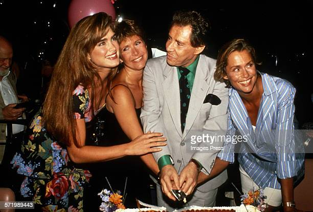Brooke Shields, Carrie Fisher, Eddie Fisher and Lauren Hutton attend the 60th Birthday Party for Eddie Fisher circa 1988 in New York City.