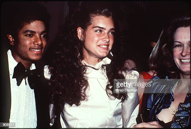 Brooke Shields Michael Jackson and mother at the 1981 American Music Awards