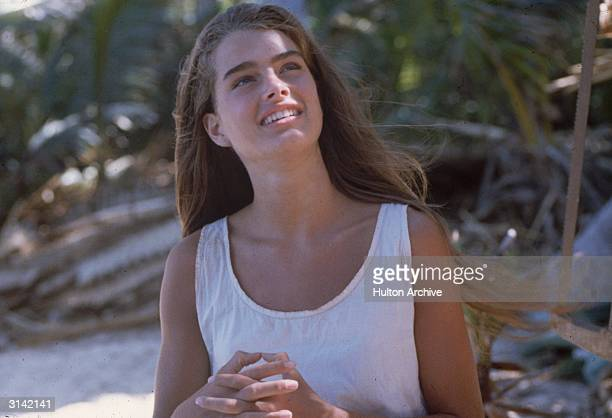 Brooke Shields plays the marooned Emmeline in the desert island adventure 'The Blue Lagoon', directed by Randal Kleiser.