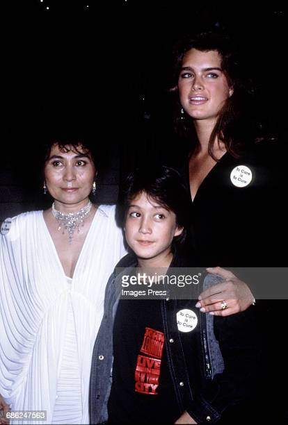 Brooke Shields, Yoko Ono and her son, Sean Lennon attend an A.I.D.S. Benefit circa 1986 in New York City.